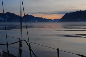 Nocny dryf u wejścia do Nansen Fiord