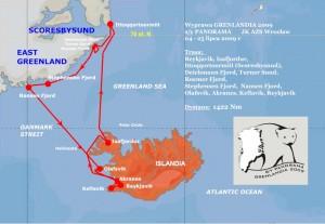 Trasa rejsu do brzegów wschodniej Grenlandii w 2009 roku, z zaznaczonym miejscem akcji ratowniczej.