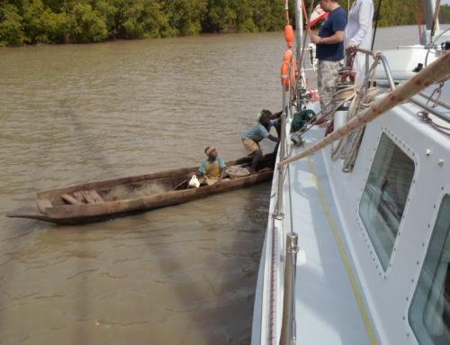 12.04.2018 Pływanie śródlądowe po Afryce jachtem 20 metrowym. Gambia.-Kpt. Jerzy Kosz