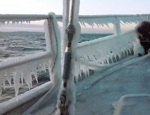 Zagrożenia podczas wypraw i rejsów w rejonach arktycznych